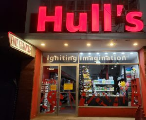 Hull's by night.